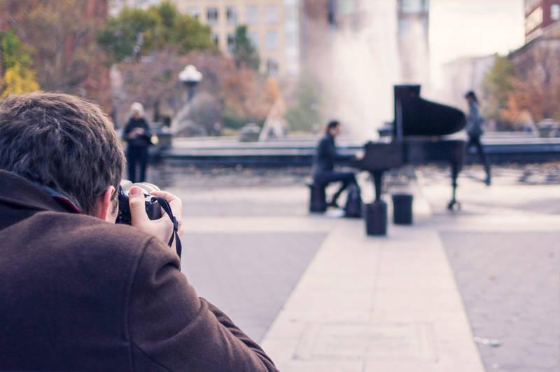 mann_fotografiert_pianist_1